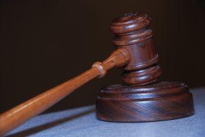 La legge e la politica